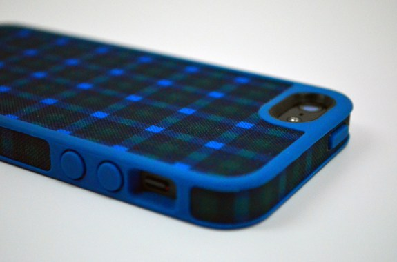 Speck FabShell Burton iPhone 5 Case Review - 5