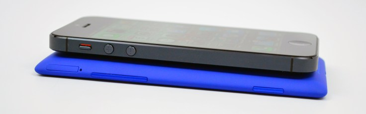 HTC 8X vs iPhone 5 Review - 11