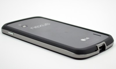 Nexus 4 Bumper Review - 08