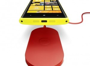 700-nokia-wireless-charging-plate-dt-900-with-nokia-lumia-920-300x300