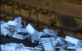 iPhone vs Bulldozer 4