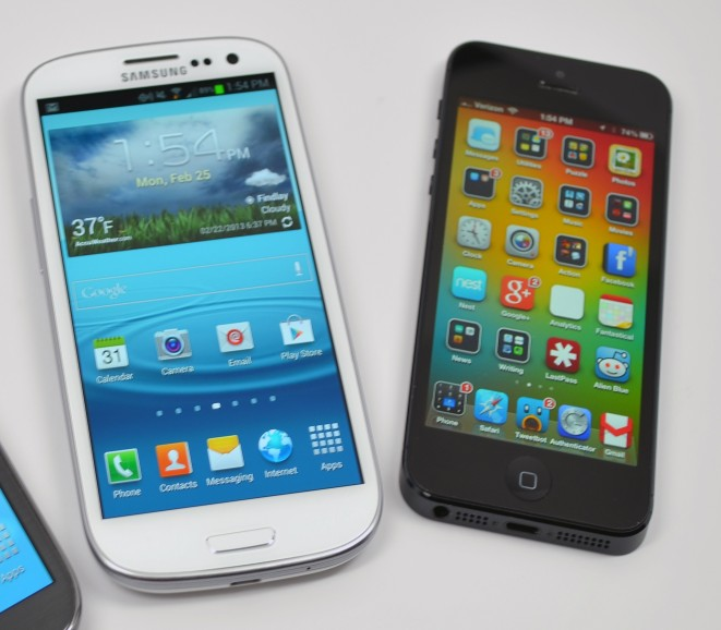 The Galaxy S3 beats the iPhone 5 as the best smartphone of MWC 2013.