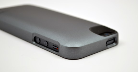 iPhone 5 Mophie Juice Pack Helium Review - 09