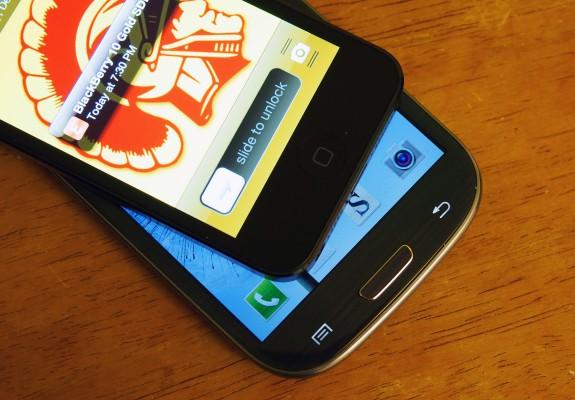 iPhone-5S-vs-Galaxy-S4