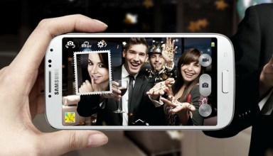 Stay in the picture with Dual Camera Mode.