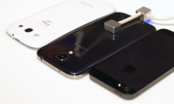 This shows the Samsung Galaxy S4 thickness versus the iPhone 5 and the Samsung Galaxy S3.