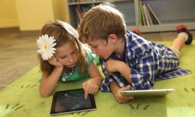 kids using ipads in ischool