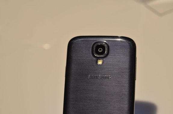 The Galaxy S4 release date will fall in April for some regions.