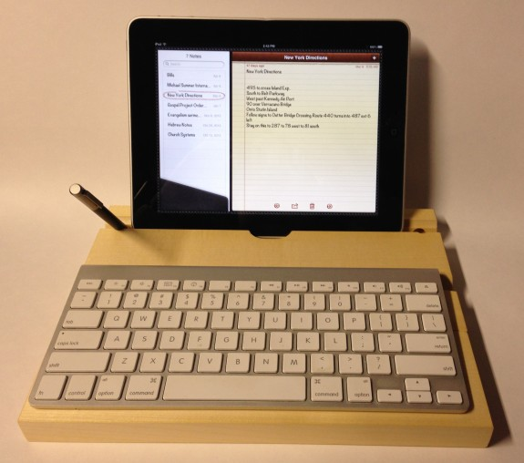 groovboard with ipad and stylus