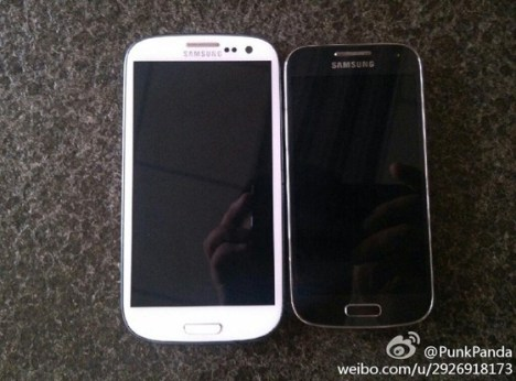 The Samsung Galaxy S4 (left) vs. Galaxy S4 mini (right).