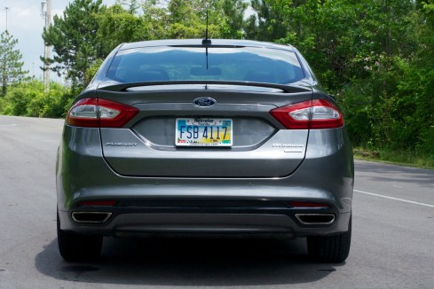 2013 Ford Fusion Review - 007