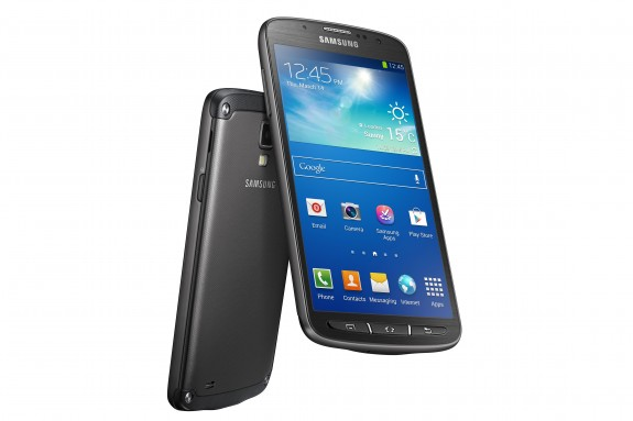 The Samsung Galaxy S4 Active on AT&T offers a smartphone for users who can't worry about dust and water.