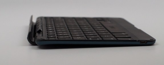 This is a very thin iPad mini keyboard case.