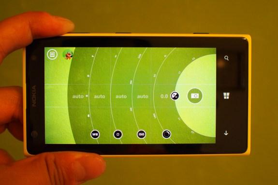 Manual exposure adjustments with Nokia Pro Camera app