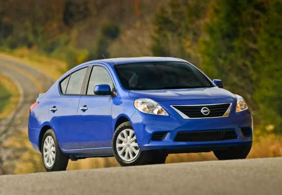 The 2013 Mac pro price could top out higher than a base Nissan Versa.