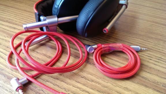 phiaton bridge ms 500 headphones comes with two cables