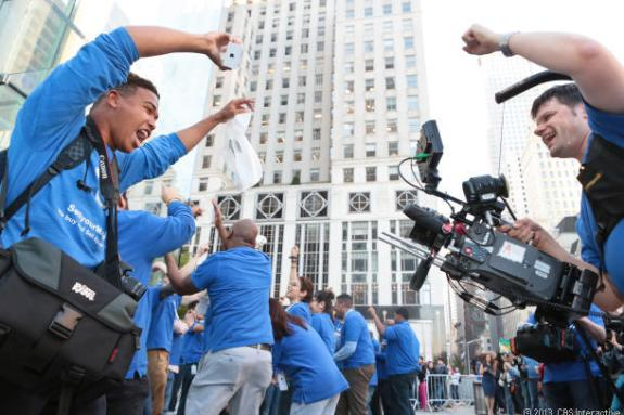 Samsung Videographer celebrates with the first person to get the iPhone 5S in New York City, Brian ceballo