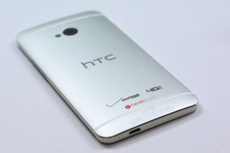 Verizon HTC One Review - 002