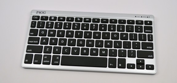 Pair a bluetooth keyboard with the iPhone 5s for faster typing and greater productivity.