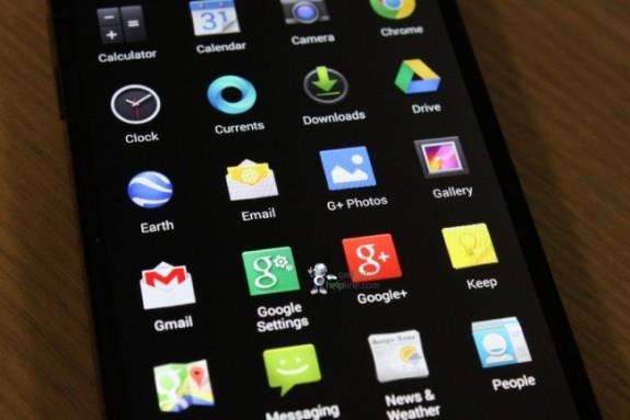 Alleged Android 4.4 KitKat app drawer.