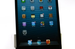 The iPad mini 2 could see shortages and a possible delay thanks to a new Retina Display.