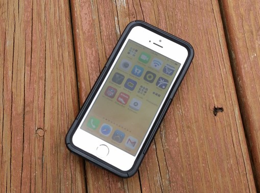iPhone 5s OtterBox Commuter Series Wallet Review - 4