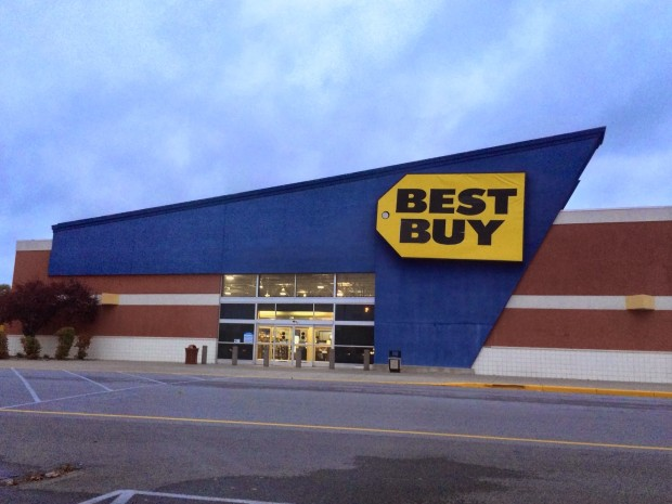 Many Best Buy stores will open at midnight for the PS4 release date, offering some to users who did not pre-order.