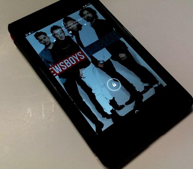 nexus 7 music on lock screen kitkat