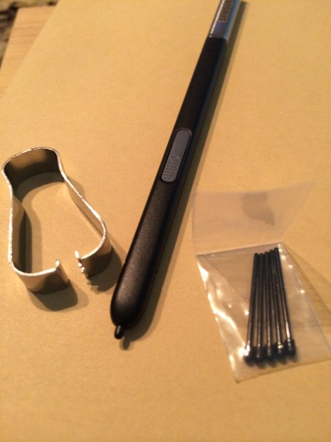 The Galaxy Note 3 Stylus with extra Nibs and Metal Ring