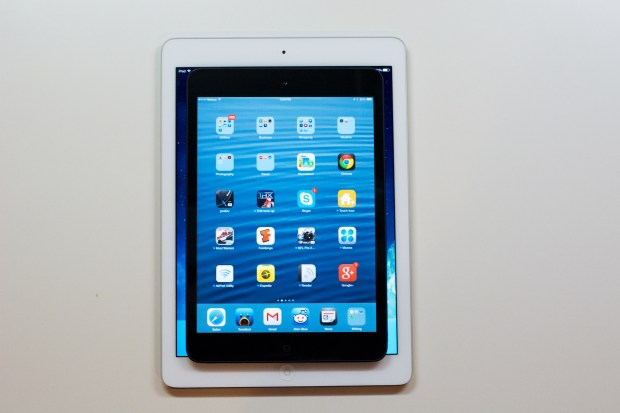 The iPad mini nearly fits inside the iPad Air display.