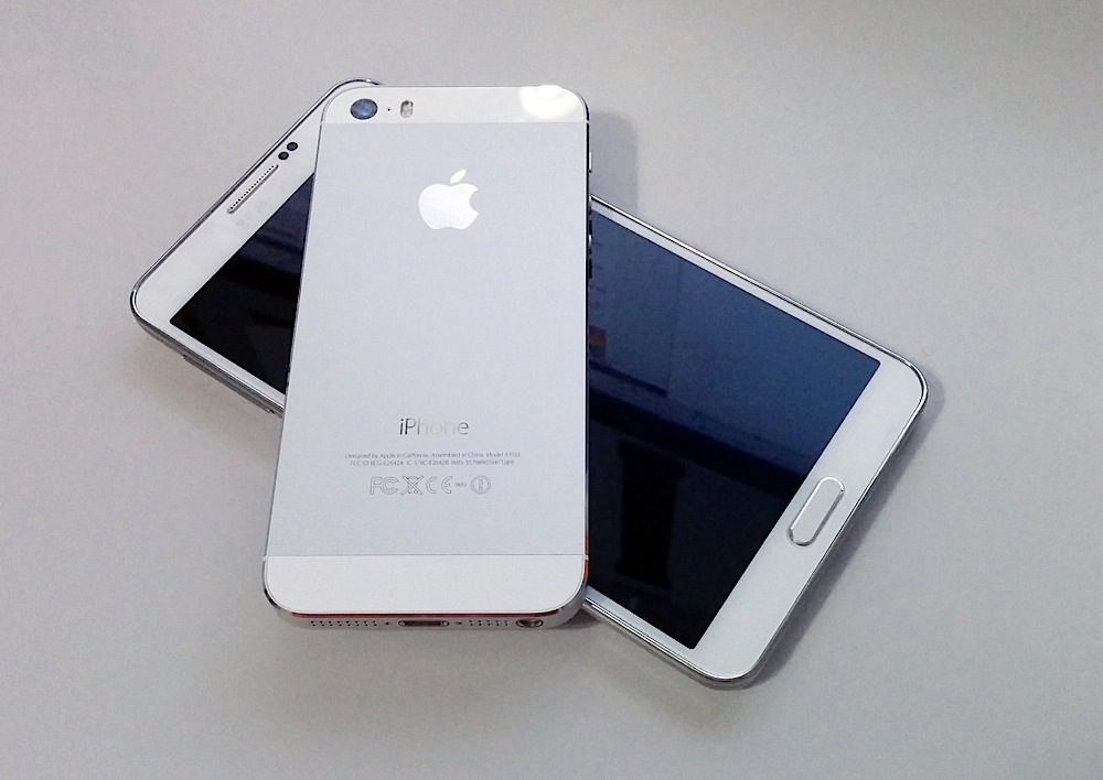 5 Ways the iPhone 5s Beats the Galaxy Note 3