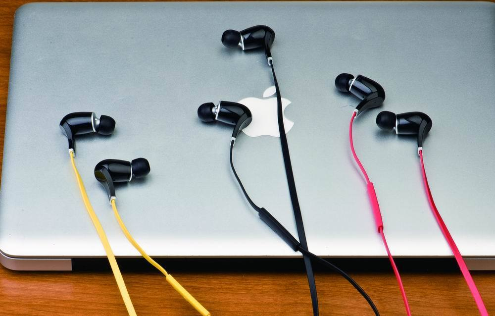 Uberbuds Bluetooth Earbuds Great For Outdoors But Weak