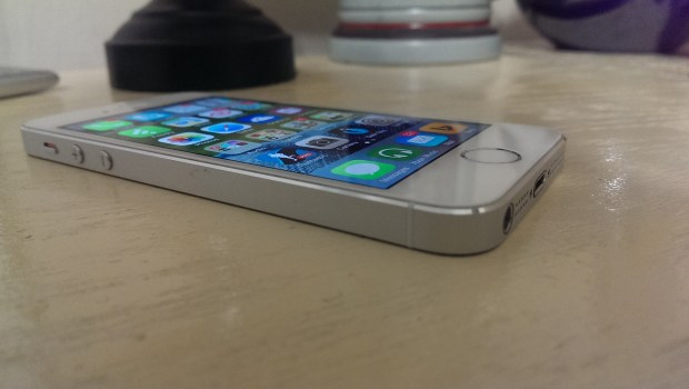 Apple iPhone 5s vs. Nokia Lumia 925 What To Buy (11)