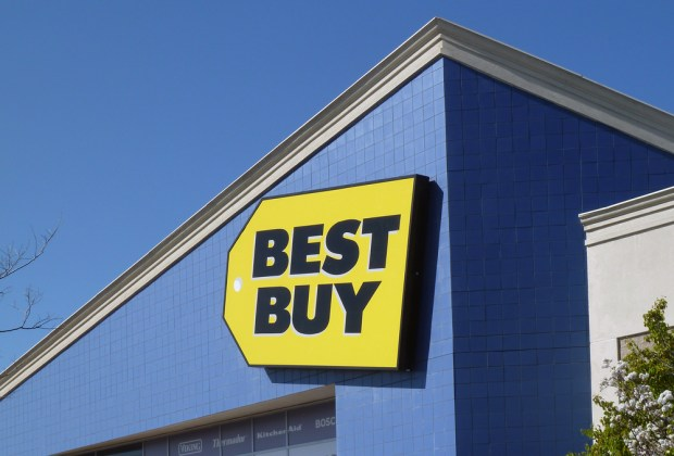 Lock in $50 off the iPhone 6 or Galaxy S5 along with other phones at Best Buy today.