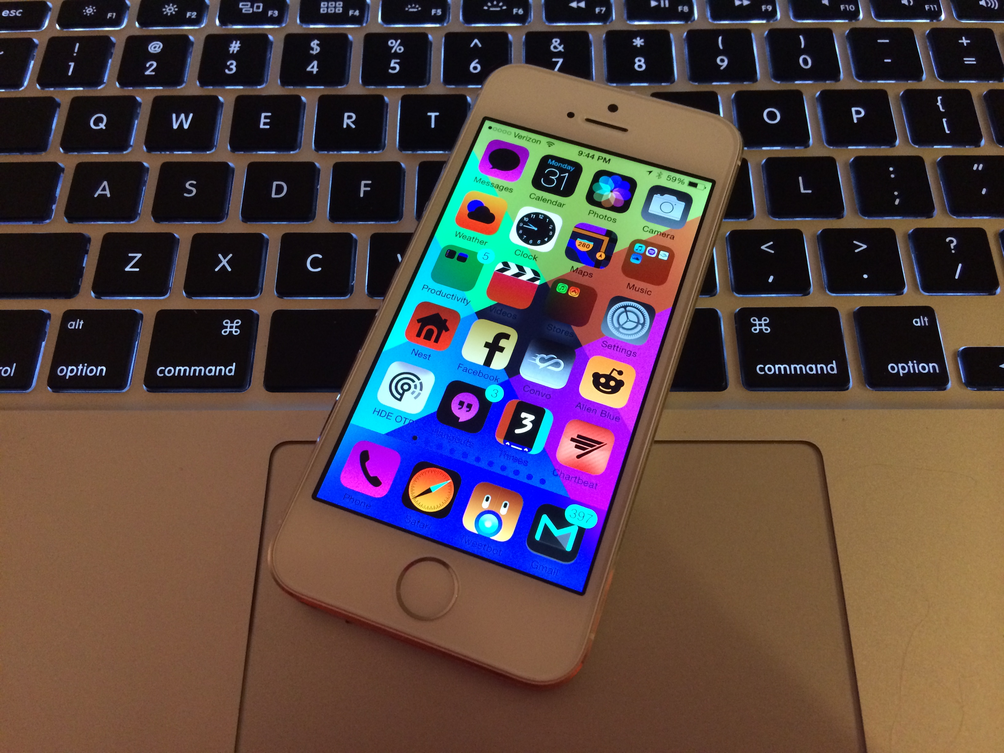 9 Fun April Fools iPhone Pranks You Can Pull Off in Seconds