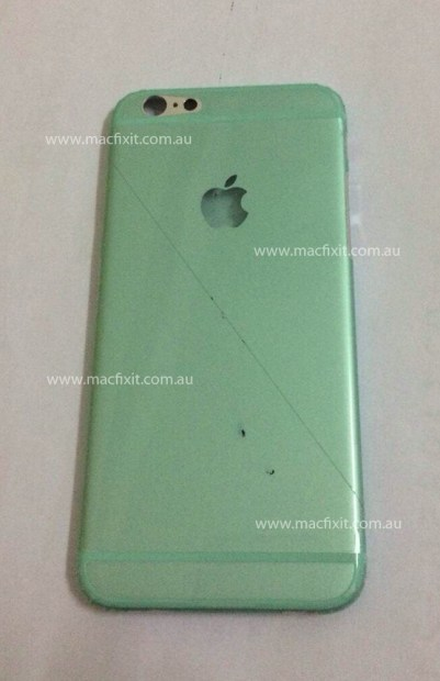 This alleged iPhone 6 back shows what the new iPhone could look like.