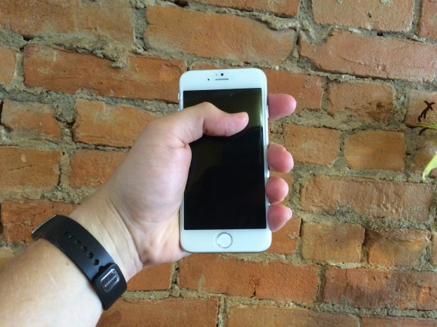 Our 5.5-inch iPhone 6 model shows how easy it could be to use with one hand.