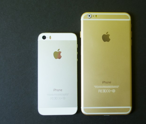A 5.5-inch iPhone 6 vs iPhone 5s shows a massive difference in size.