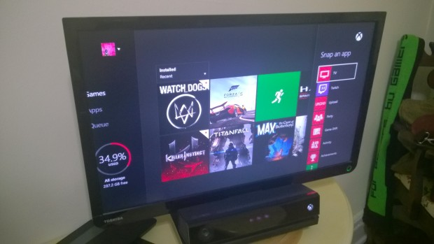 How to Play A Game & Watch TV on the Xbox One  (3)