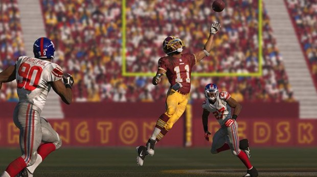 Know when to go big and how to avoid interceptions with these Madden 15 tips for offense.