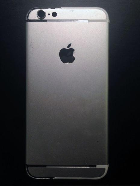 These iPhone 6 photos show the new design in detail.