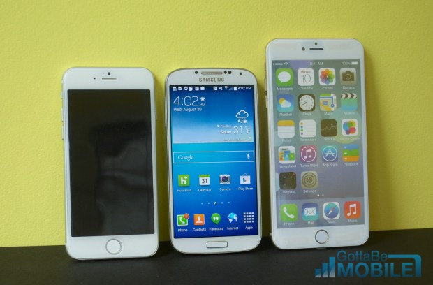 Here we see a 4.7-inch iPhone 6, 5-inch Galaxy S4 and 5.5-inch iPhone 6.