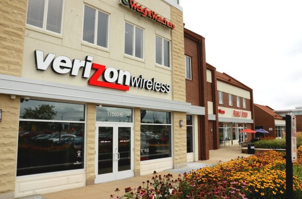 Verizon confirms stores open early on the iPhone 6 release date.