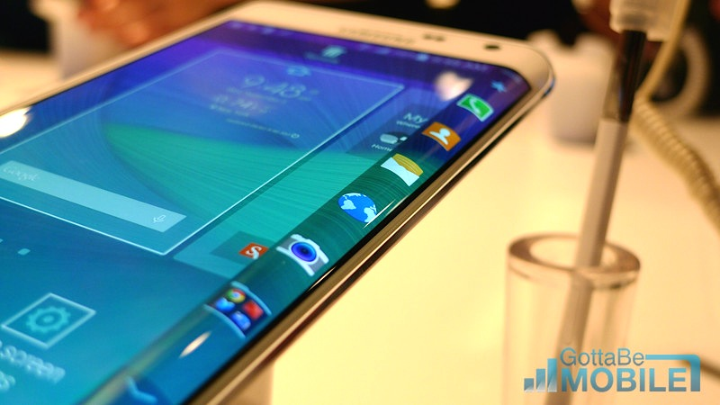 galaxy note edge vs galaxy s4 5 things buyers need to know. Black Bedroom Furniture Sets. Home Design Ideas