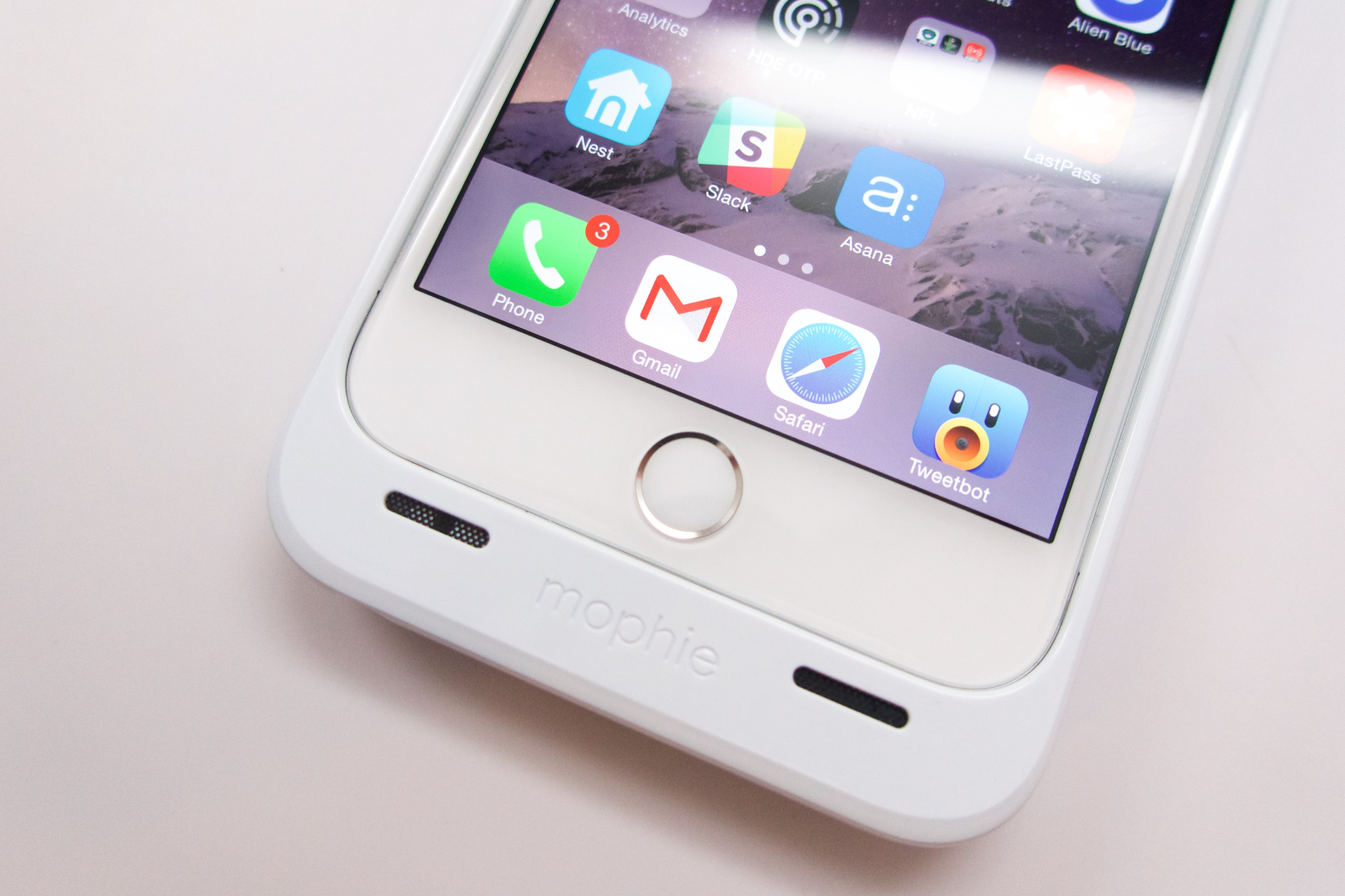 super popular 5c536 28dd1 Mophie iPhone 6 Plus Case Review