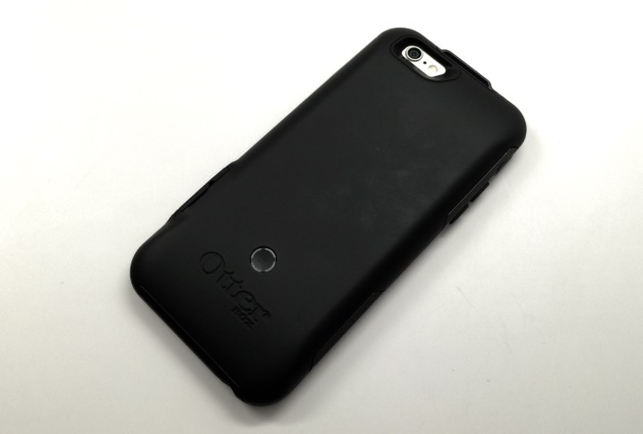 The OtterBox Resurgence case includes a 2,600mAh battery.