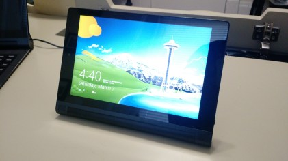 Yoga tablet 2 with Windows 8-inch (1)