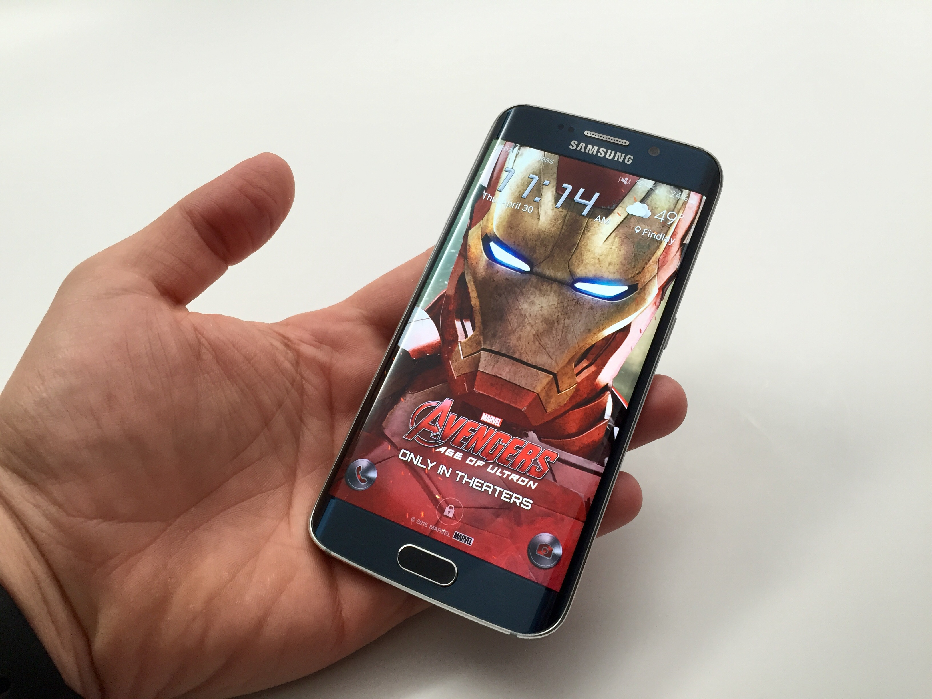 The Avengers Age of Ultron Themes Arrive for Galaxy S6
