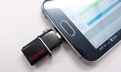 When you use the SanDisk Ultra it connects tot eh same port you charge Android phones with.