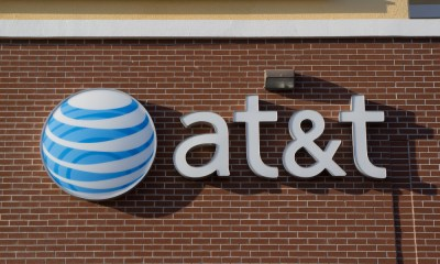 What consumers need to know about the FCC AT&T $100 million fine for throttling unlimited data customers.